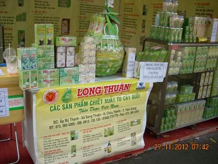 Tinh dầu Bưởi CM Long Thuận-Giúp đen tóc trở lại, hết hói đầu- giá rẻ